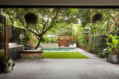 22 Marvelous Winter Garden Design For Small Backyard Landscaping Ideas — TERACEE The design of luxury homes cannot be separated from the uniqueness, authenticity, and ingenuity of using materials and exposure to their characteristics. The existence of … Home Garden Design, Modern Garden Design, Landscape Design, Landscape Bricks, Backyard Pool Landscaping, Landscaping Ideas, Acreage Landscaping, Pool Fence, Backyard Ideas