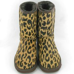 More beautiful design, better quality materials, more elaborate process, only to bring you to a comfortable experience. UGG, bring you the best. Only $39. Ugg Snow Boots, Picture Link, Rubber Rain Boots, Uggs, Christmas, Beautiful, Shoes, Design, Fashion