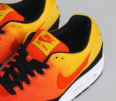 Not crazy about orange but I'd wear them