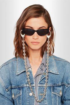Tendência  correntes estilosas para óculos · Esse modelo também é de marca  famosa  Balenciaga e custa módicos R 1.030,00 f1220166be