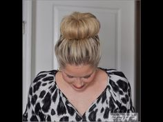 The High Bun - YouTube Summer Hairstyles, Bun Hairstyles, Pretty Hairstyles, Updo Hairstyle, Wedding Hairstyles, Medium Hair Styles, Curly Hair Styles, Small Things Blog, Short Hair Bun