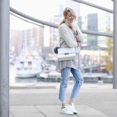 Sporty casual street style looks – Just Trendy Girls Casual Street Style, Casual Chic, Casual Sporty Outfits, Look Casual, Style Casual, Denim Style, Street Chic, Style Désinvolte Chic, Look Chic