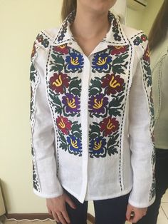 """White linen embroidered  blouse """"Stylized Chrysanthemum"""" White Chrysanthemum, Ornaments Design, Model Look, Linen Blouse, Embroidered Blouse, Clothing Items, Looks Great, Indian Embroidery, Female"""