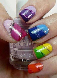 ...look i can use all my nail polish colors at once ha.