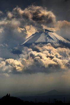 'Flying' volcano
