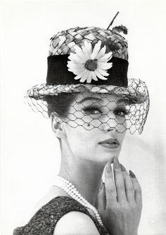 Model: Simone D'Aillencourt.