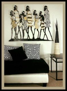 African Decor - Cozy Sitting Love the wall piece African Living Rooms, African Bedroom, African Themed Living Room, Deco Ethnic Chic, Ethnic Decor, African Interior Design, African Design, Ethno Design, African Furniture