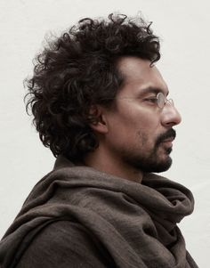 Haider Ackermann nommé chez Berluti, un nouveau défi Face Drawing Reference, Human Reference, Photo Reference, Portrait Inspiration, Character Inspiration, Story Inspiration, Pretty People, Beautiful People, Male Character