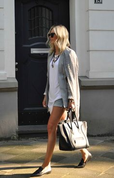 Details www.lisarvd.com Oui Linen Blazer, Anine Bing T-Shirt, One Teaspoon Shorts, Mango Slipper, Céline Luggage Bag, ZeroUv Sunglasses