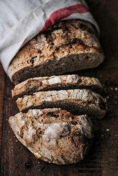 - VANIGLIA - storie di cucina: Pane di segale con noci, mele essiccate e miele di...