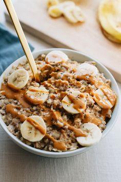 STYLECASTER | Winter Weekday Breakfasts | Peanut Butter Banana Chia Oatmeal