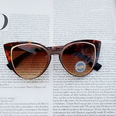 Tortoise Cateye Sunglasses Polycarbonated Cateye Sunglasses Size : Width:6inch/ Height: 2inch Accessories Sunglasses