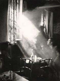 Parisian Café 1930s Photo: Alexander Artway