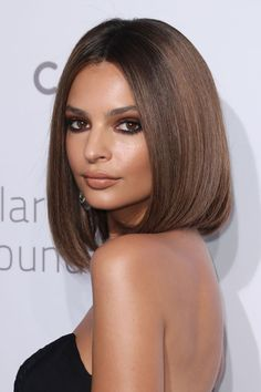 Woah - we're totally here for Emrata's new short, sleek bob cut. She could pull off just about any style!