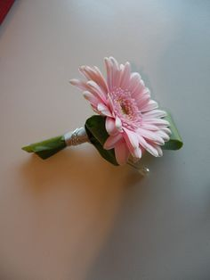 White Gerber Daisy Boutonniere | Ivory & Pink Roses with Pink Gerbera Daisies | Jen's Blossoms Blog