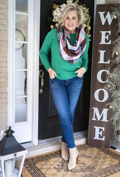 60 Fashion, Fashion Over 50, Winter Fashion, Fashion Outfits, Fashion Design, 50 Is Not Old, Casual Outfits, Cute Outfits, Best Jeans