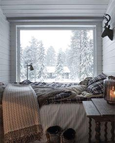 """72 aprecieri, 2 comentarii - Hygge Interior Design (@beehygge) pe Instagram: """"First snow in london 2017#hygge #lagom #london #lasvegas #lovequotes #winter #sandiego…"""""""