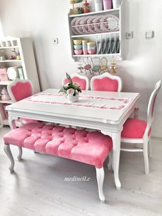 Careful ascertained shabby chic dining room vintage Order Your Shabby Chic Dining Room, Living Room Decor Cozy, Ottoman In Living Room, Luxury Dining Room, Living Room Grey, Shabby Chic Decor, Shabby Chic Bathroom Accessories, Shabby Chic Zimmer, Trendy Home Decor