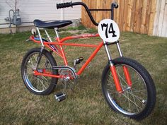 Vintage Bmx Bikes, Velo Vintage, Cool Bicycles, Cool Bikes, Yamaha Moto Bike, Velo Biking, Bmx Cycles, Velo Retro, Cruiser Bicycle