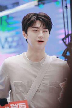 Handsome Korean Actors, Handsome Anime, Korean Boys Ulzzang, Korean Men, Chines Drama, Cute Asian Guys, Cute Actors, Asian Actors, Guys And Girls