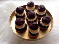 Apáca, a fánkok királynője Cheesecake, Food And Drink, Cookies, Cheesecake Cake, Crack Crackers, Biscuits, Cheesecakes, Cookie Recipes, Cheesecake Bars