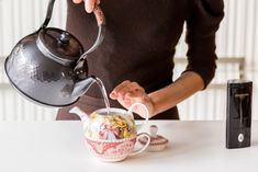 Preparate English Tea Time, V60 Coffee, Biscotti, Kettle, Tea Party, Coffee Maker, Relax, Kitchen Appliances, Nutrition