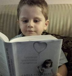 Il lettore più giovane e più bello, molto preso dal romanzo :)