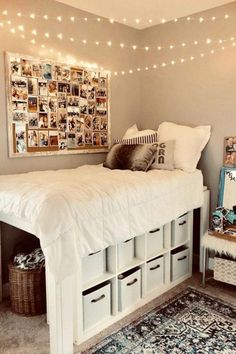 Room Decor Discover DIY Dorm Room Ideas - Dorm Decorating Ideas PICTURES for 2020 Cute Do It Yourself Dorm Room Ideas and DIY Dorm Room Hacks We Love Clever and creative college dorm room organization and decorating ideas smart DIY ideas Teenage Room Decor, Bedroom Decor For Teen Girls Dream Rooms, Decorating Small Bedrooms, Cool Girl Bedrooms, Teen Decor, Teenage Girl Bedrooms, Awesome Bedrooms, Cool Dorm Rooms, College Dorm Rooms