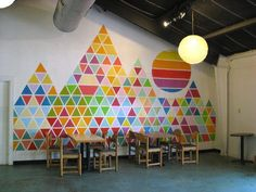 Geometric Painted Walls Round Up Geometric Wall Painting in a restaurant in Austin. Simple Wall Paintings, Creative Wall Painting, Creative Walls, Geometric Wall Paint, Geometric Painting, Geometric Quilt, Geometric Patterns, Geometric Designs, Geometric Shapes