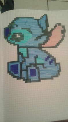 pixel art - Page 20 Graph Paper Drawings, Graph Paper Art, Art Drawings, Square Drawing, Modele Pixel Art, Pixel Drawing, Pix Art, Minecraft Pixel Art, Lilo And Stitch
