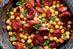 Quick and easy, this speedy Spanish dish delivers maximum flavour for minimum effort. Pork Recipes, Cooking Recipes, Healthy Recipes, Diet Recipes, Dessert Recipes, Desserts, Spanish Dishes, Spanish Food, Spanish Cuisine