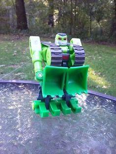 Strong-Bot Playskool Transformers Go-Bots Strongbot Bulldozer Green Hasbro 2002 #Hasbro