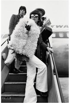 Keith boards a TWA plane in 1967 with Bill and Brian.