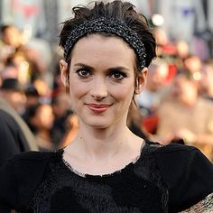 After her relationship with Johnny Depp ended, Ryder, began abusing alcohol, experiencing anxiety attacks, and spiraling into depression. Ryder sought treatment, briefly, in a mental institution  and finally with a private therapist.