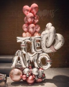 "1,064 Me gusta, 2 comentarios - Dolce Balloons Mx (@dolceballoonsmx) en Instagram: ""Para decir TE AMO con el Glamour de los Globos de Dolce Balloons Mx . #DolceBalloonsMx…"" Balloon Decorations Party, Valentine Decorations, Birthday Decorations, Baby Shower Decorations, Valentines Anime, Valentines Balloons, Birthday Balloons, Love Balloon, Balloon Gift"