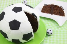 Fußball-Kuchen, ein schönes Rezept aus der Kategorie Party.