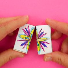 Flower Flexicubes: An incredible DIY flower puzzle that will blow your mind! Flower Flexicubes: An incredible DIY flower puzzle that will blow your mind! Paper Crafts Origami, Paper Crafts For Kids, Diy Arts And Crafts, Diy For Kids, Fun Crafts, Art And Craft, Cardboard Crafts, Creative Crafts, Diy Paper