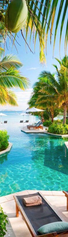 Likuliku Lagoon Resort Fiji   LOLO