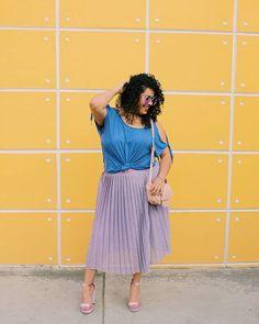 ✨NUEVO POST EN EL BLOG✨ en el que les digo por qué deben incluir el color lavanda en sus looks curvy esta primavera 💜 Les dejo en link en mis historias en unos minutos 💜 Mi increíble falda es de #Soy by @liverpool_mexico y la amo cañón 😍 Todos los detalles del look en el blog✌💋 #yocurvilinea #arhemolina #curvyblog #plussizefashion #mequierocomosoy