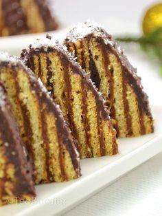 nutella mug cake Sweets Recipes, No Bake Desserts, Baking Recipes, Delicious Desserts, Cake Recipes, Romanian Desserts, Romanian Food, Sweet Tarts, Pastry Cake