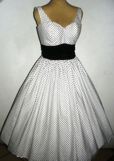 A Fine polkadot 50s cocktail dress in 100% cotton