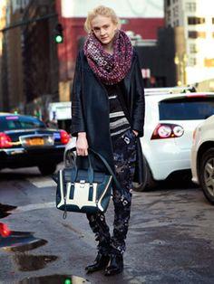 Showgoer #newyorkfashionweek #nycfashionweek #nycfashion #nycstreetstyle #newyorkstreetstyle #newyorkfashion