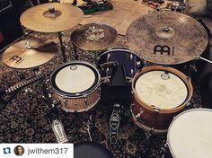 Drums Studio, Diy Drums, Acoustic Drum, African Drum, Vintage Drums, Cowbell, Drummer Boy, Drum Kits, Music Theory