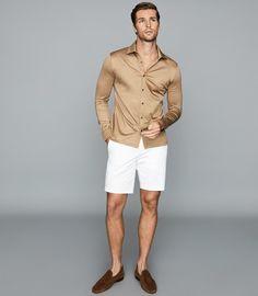 Casual Wear For Men, Sport Casual, Summer Fashion Outfits, Cool Outfits, Fashion Ideas, Fashion Inspiration, Black Chinos, European Fashion, Moda Masculina