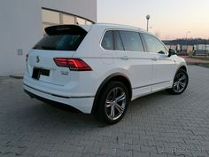 Volkswagen Tiguan 2.0 TDI R-Line - Martin - Bazoš.sk Auto Volkswagen, 4x4, Vehicles, Car, Vehicle, Tools