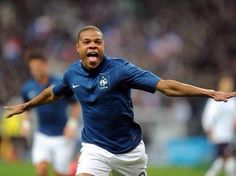 Welcome to Chelsea Football Club, Loic Remy! #CFC pic.twitter.com/dq8zASXPl9