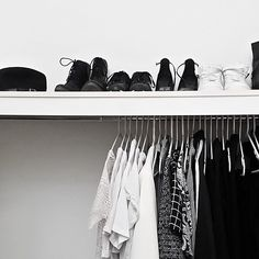 Walk In Closet organizer systems arrive in various forms. In addition, there are various materials these days that are utilised to produce sturdier furniture that could endure for a life time walk in closets. Walk In Closet Design, Closet Designs, Walk In Closet Inspiration, Room Inspiration, Wardrobe Closet, Closet Space, Chic Minimalista, Wardrobe Organisation, Closet Organization
