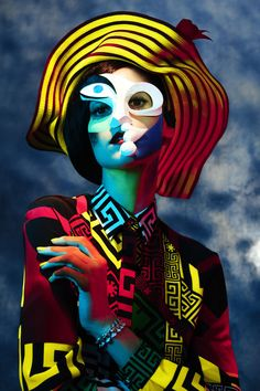 Model Daiane Conterato delivers a short bit of artistry in 'Picasso's Women', styled by Anna Trevelyn. Photographer Ben Hassett captures Daiane for Harper's Bazaar US September Hair by Nicolas Jurnjack; makeup by Kabuki Kunst Picasso, Picasso Art, Pablo Picasso, Picasso Portraits, Famous Portraits, Art Photography, Fashion Photography, Editorial Photography, Pierrot