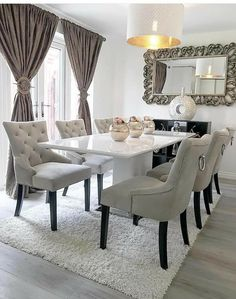 Ideas for Decorating an Elegant Dining Room Dining Room Table Decor, Living Room Decor Cozy, Elegant Dining Room, Luxury Dining Room, Dining Room Design, Dining Room Furniture, Dining Room Inspiration, Home Decor Kitchen, Home Decor Furniture