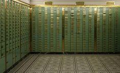 S3E8: Crack open a safe in an underground bank vault